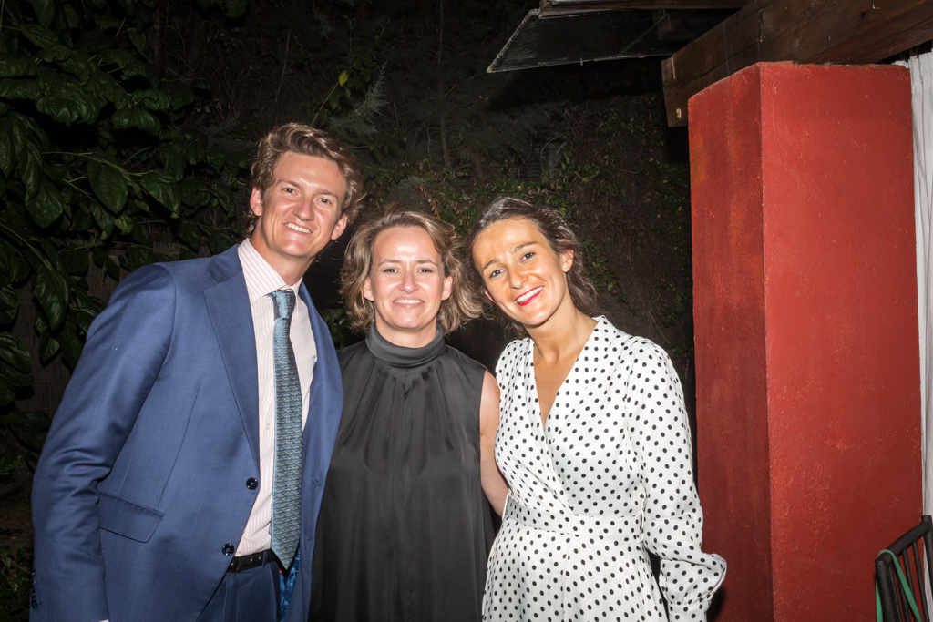 MARIA GORDON CON Adriana y Lucas