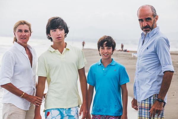 Sesión de fotos en la playa - Familia Urrutia Parages