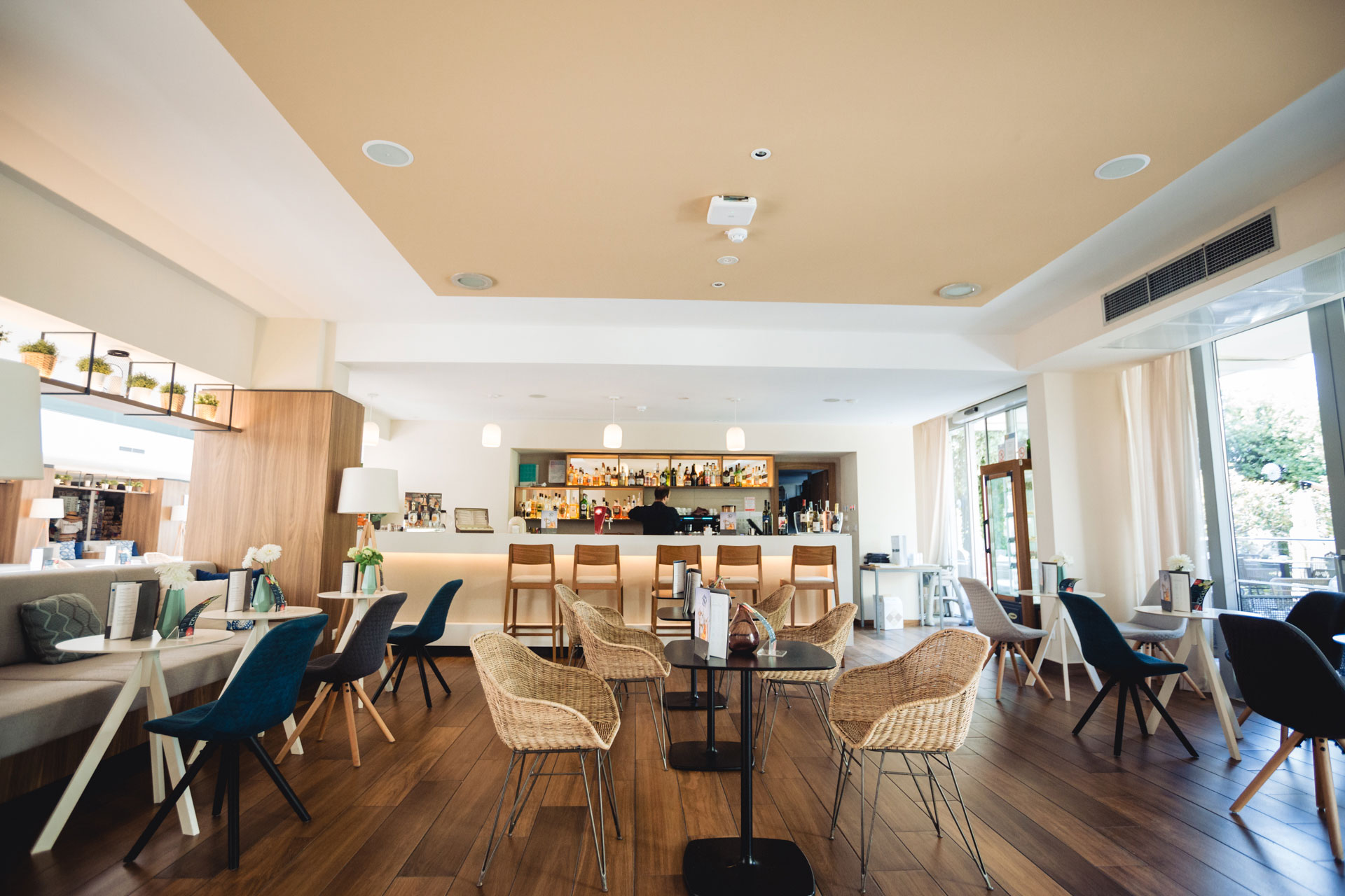 Fotografía Inmobiliaria - Zona Bar - Hotel Valamar